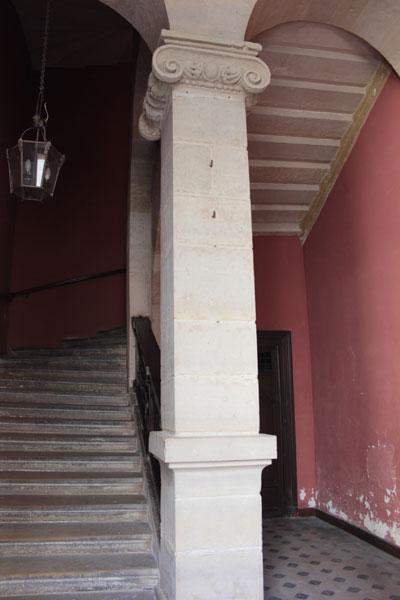 L'hôtel Fieubet - L'escalier de l'aile en fond de cour
