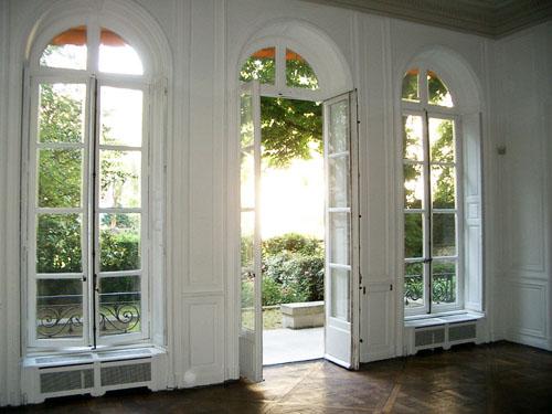 L'hôtel de Bérulle - Le salon donnant sur le jardin