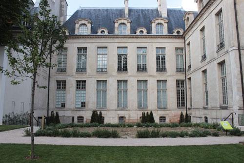 L'hôtel d'Albret  - La façade sur le jardin