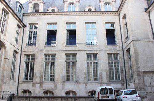 L'hôtel d'Albret - La façade sur cour