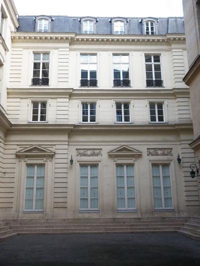 L'hôtel de Goys - la façade sur cour