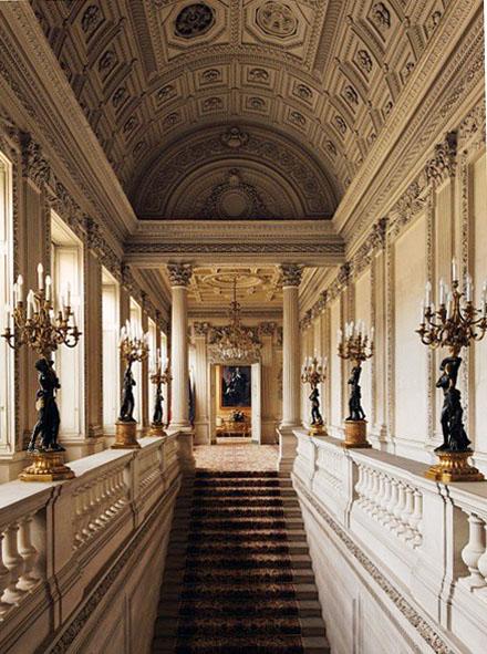 L'hôtel de Monaco - L'escalier d'honneur et la galerie