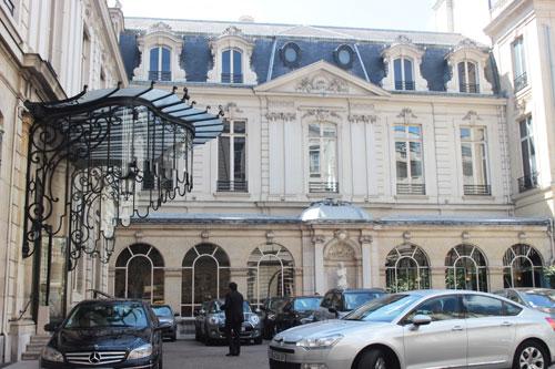 L'hôtel Perrinet de Jars - façade sur cour