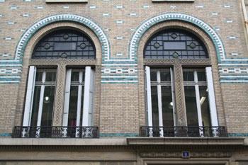 Immeuble d'habitation, rue de Lota - Détail des fenêtres