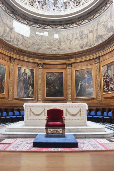L'église Notre-Dame de Bonne-Nouvelle - Le chœur et les 5 peintures consacrées à la Vierge