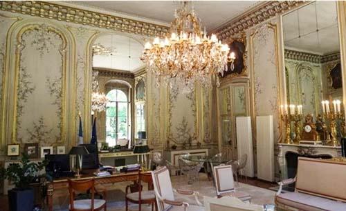 L'hôtel de Rothelin-Charolais - Le bureau du ministre