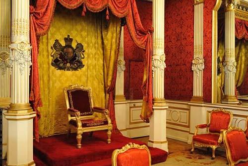 L'hôtel de Béthune-Charost - La salle du Trône