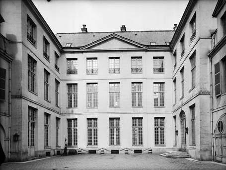 L'hôtel de Cavoye - La façade sur cour