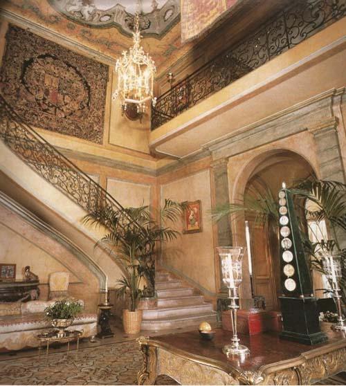 L'hôtel du duc et de la duchesse de Windsor - Le vestibule et l'escalier