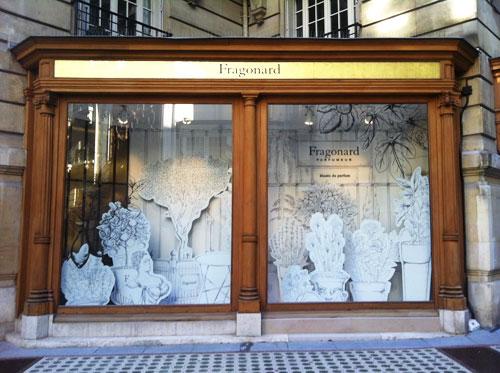 Le nouveau musée Fragonard - L'une des vitrines square de l'Opéra