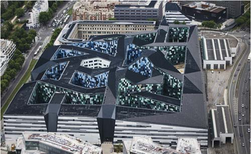 L'Hexagone-Barlard avec ses façades en origami