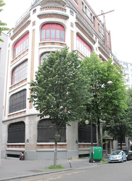 Le central téléphonique Ménilmontant - L' angle de la rue Sorbier et de la rue Elisa Borey