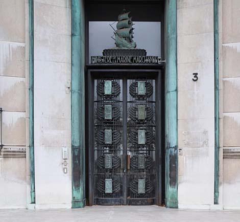 Porte du ministère de la Marine marchande - Ferronneries de Raymond Subes