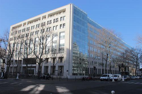 Le ministère des Affaires sociales et de la Santé - Façades sur l'avenue de Ségur et l'avenue Duquesne