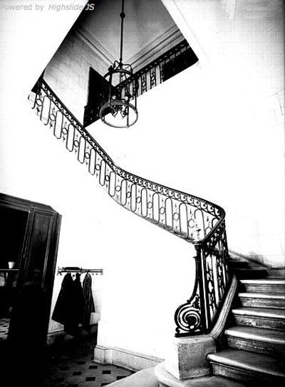 L'hôtel de Bourbon-Condé - L'escalier