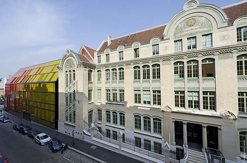 L'école de commerce Novancia - Façade sur la rue Armand Moisan