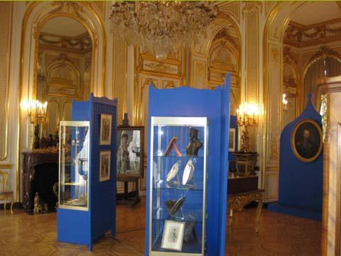 L'hôtel d'Estrées - Un salon pendant une exposition