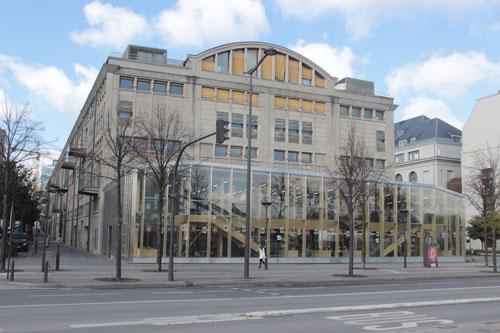 La Halle aux farines : la façade sur le quai Panhard et Levassor