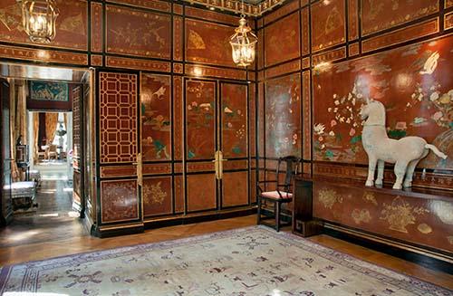 L'hôtel Passart - La petite salle à manger recouverte de panneaux de laque