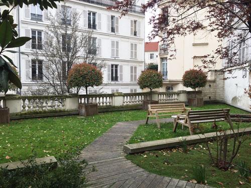 La maison de Mme Hamelin et de Victor Hugo - Le jardin surplombant la cité Charles Godon