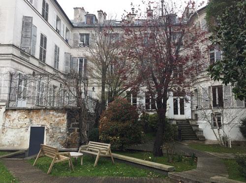 La maison de Mme Hamelin et de Victor Hugo - La façade sur le jardin