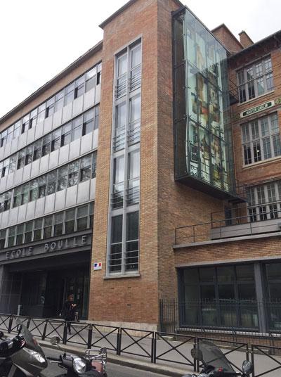 L'école Boulle - L'extension de Laprade à gauche et le bâtiment Jules Ferry à droite