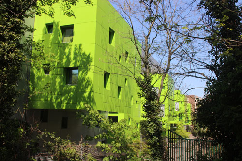 Les logements sociaux rue Desnouettes - Vue de la promenade de la petite Ceinture