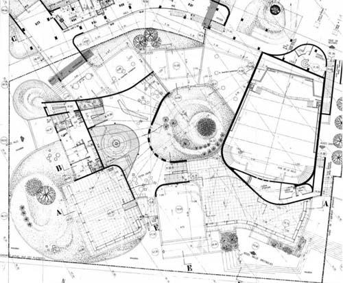 Plan de l'équipement culturel - Le patio est au centre de la composition