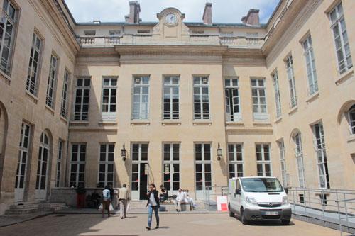 L'hôtel de Fleury - La façade sur cour