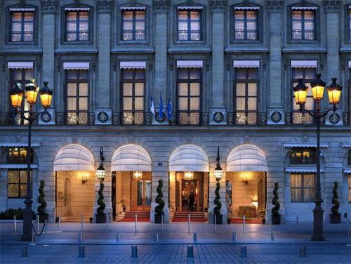 L'entrée du Ritz sur la place Vendôme