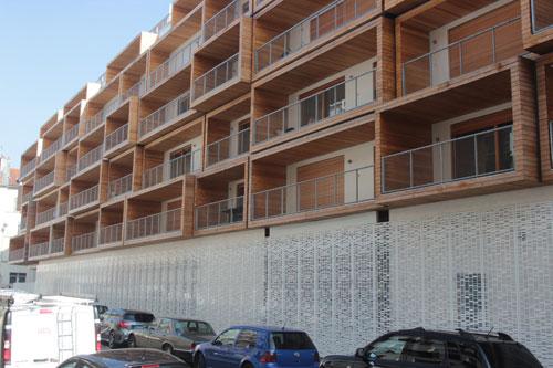 Immeuble Less - La façade sur le passage Delessert