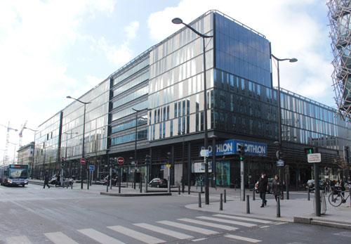 Le Ministère de la Jeunesse et des Sports - Façade sur l'avenue de France