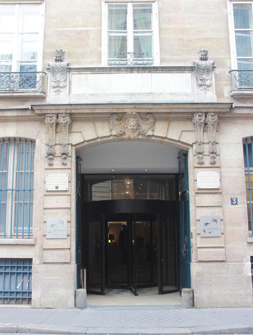 L'hôtel Bourgeois de Boigne - Le portail