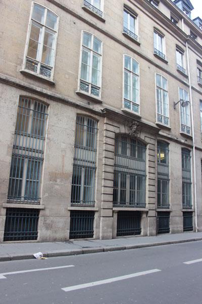 La banque Paribas - Immeuble du n° 3bis rue d'Antin construit par Jacques V Gabriel