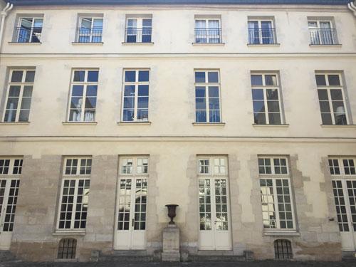 L'hôtel de Sauroy - Le corps de logis en fond de cour