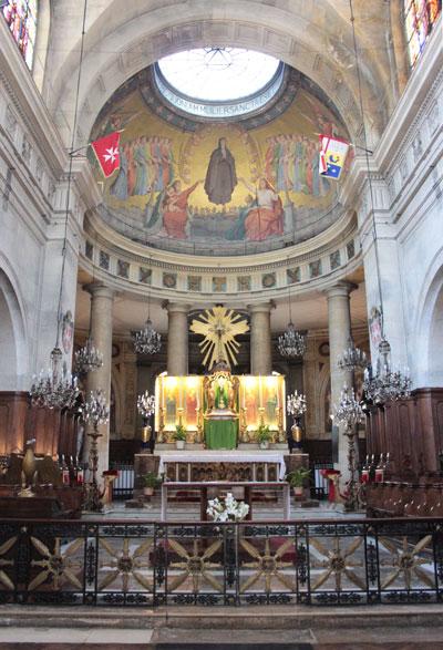 L'église Sainte-Elizabeth - Le chœur néo-antique orné de mosaïques