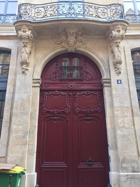 Les hôtels Le Lièvre de La Grange - Le portail du n°4