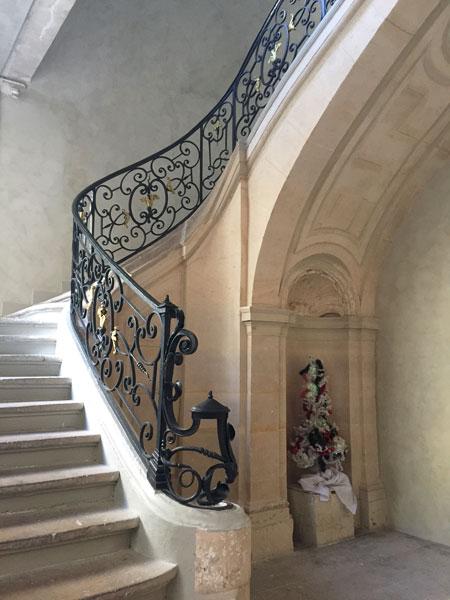 Les hôtels Le Lièvre de La Grange - L'escalier d'honneur du n°4 et sa somptueuse rampe en fer forgé