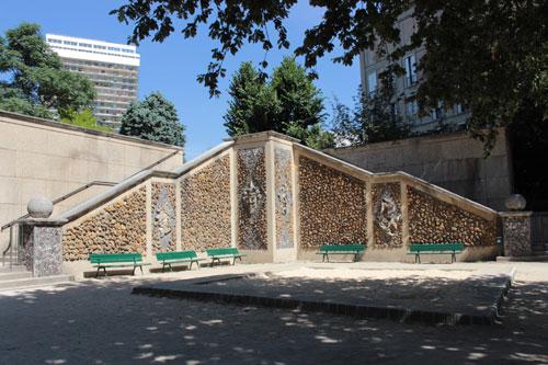 Le square René Le Gall - Les mosaïques en cailloux et galets, inspirées de la renaissance italienne