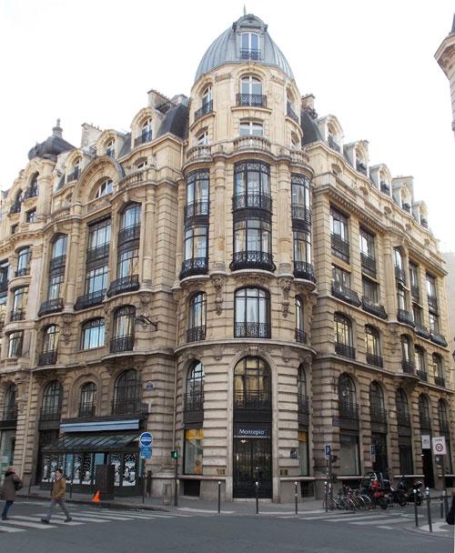 Immeuble commercial Rue Réaumur - Au centre, la spectaculaire rotonde d'angle