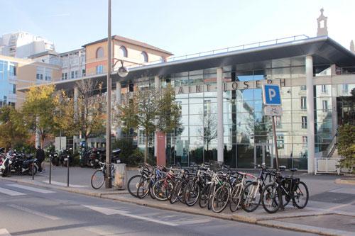 L'hôpital Saint-Joseph - Le pavillon d'entrée