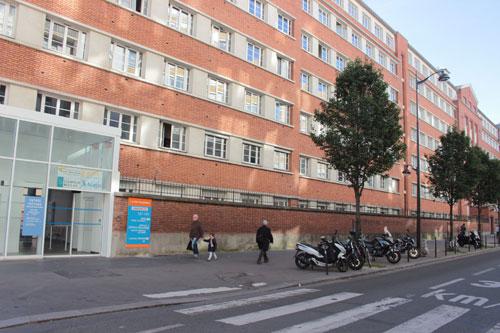 L'hôpital Saint-Joseph - Bâtiment en brique rue Raymond Losserand