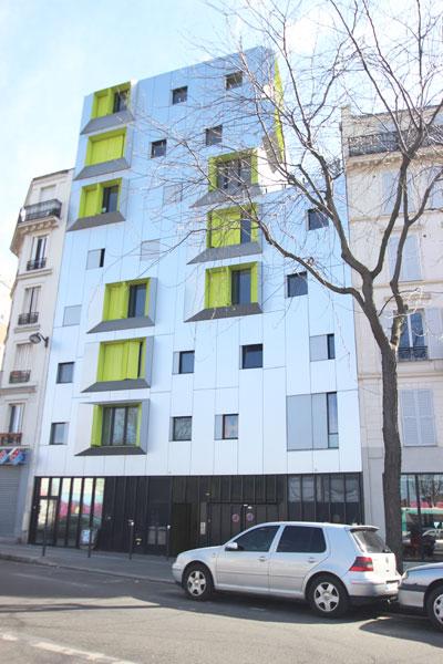 L'un des deux bâtiments donnant sur la rue Marcadet