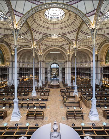 L'ancienne salle des Imprimés accueille désormais la bibliothèque de l'INHA, constituée à partir de la collection Jacques Doucet