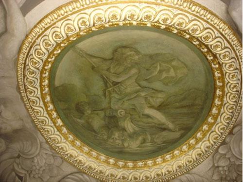 Galerie Mazarine : médaillon de Neptune peint par Giovanni Francesco Romanelli et son atelier