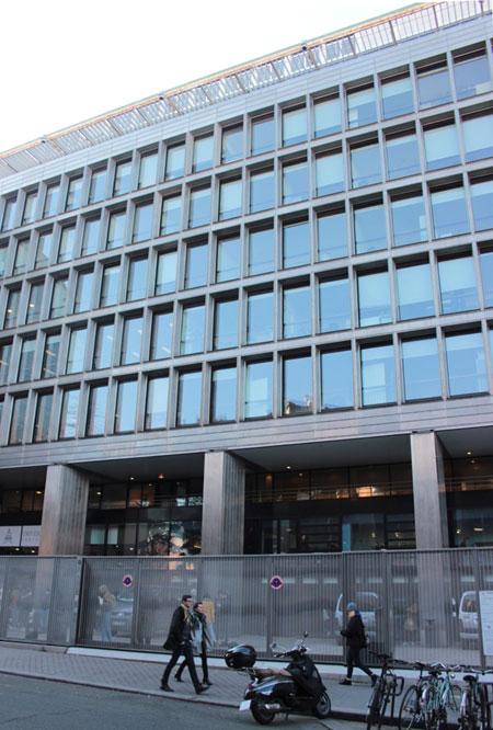 Le centre Assas : façade sur la rue d'Assas