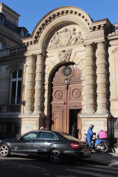 L'hôtel Abraham de Camondo : le portail ajouté par Gaston Menier