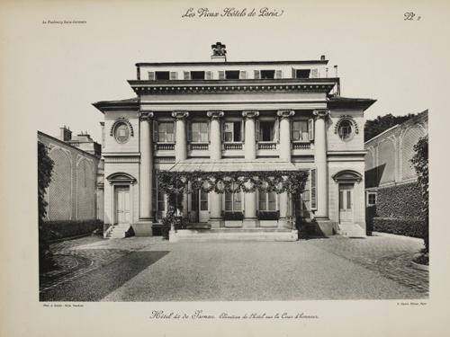L'hôtel de Jarnac - La façade sur la cour - Photographie ancienne