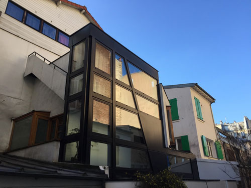 La villa de l'Adour - Au n°3, un ancien lavoir industriel a été agrandi avec une nouvelle façade contemporaine