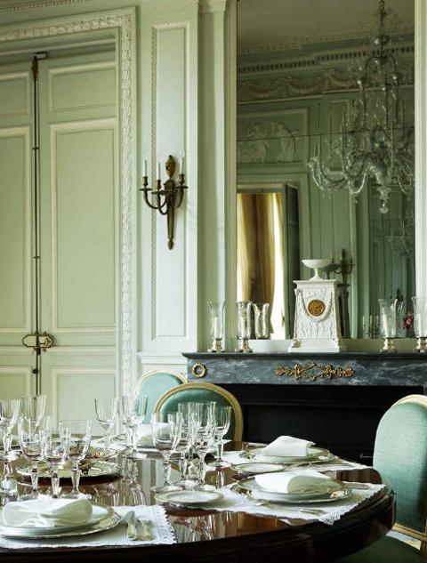 L'hôtel de Besenval - La salle à manger aménagée par Brongniart dans le style néoclassique